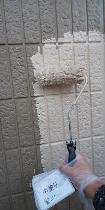 奈良香芝市A様 外壁塗装・屋根塗装工事 外壁中塗り