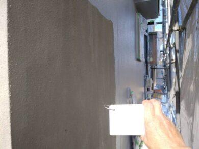 奈良香芝市F様 外壁塗装工事 外壁塗装中塗り