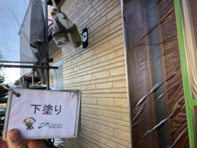 奈良香芝市N様 外壁塗装・屋根塗装・防水工事 外壁塗装下塗り