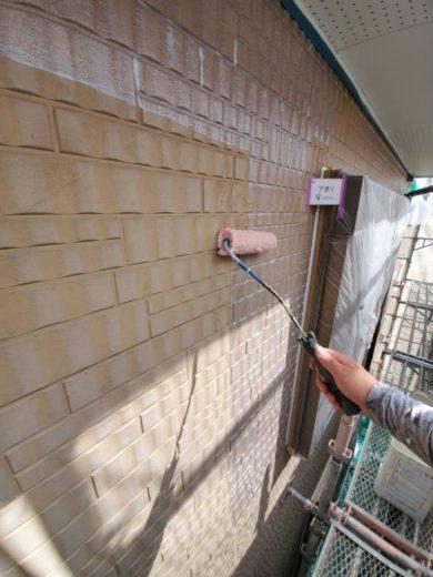 奈良生駒郡三郷町T様邸 外壁塗装・屋根塗装・ベランダ防水工事 外壁塗装下塗り