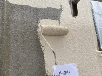 奈良葛城市S様邸 外壁塗装工事 外壁中塗り