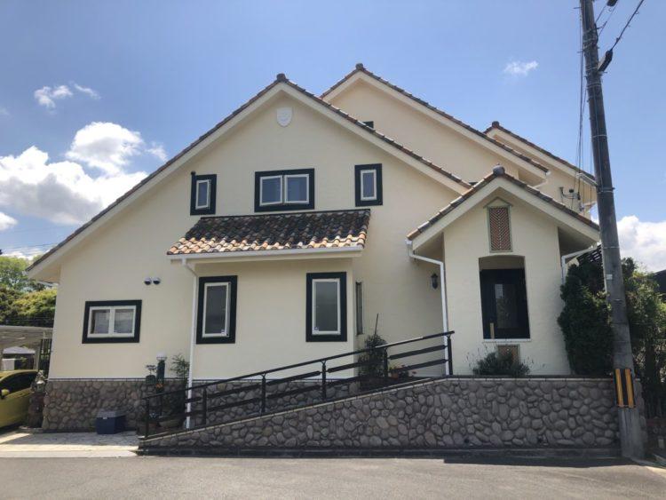 奈良の香芝市の株式会社ヨネヤの外壁塗装と屋根塗装のデザイン