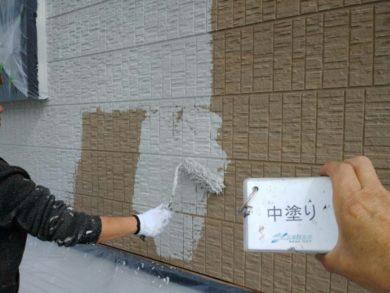 奈良香芝市S様邸 外壁塗装・屋根塗装 外壁塗装中塗り