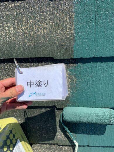 奈良香芝市K様邸 外壁塗装・屋根塗装・防水工事 屋根塗装中塗り