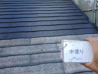 奈良生駒市M様邸 外壁塗装・屋根塗装・外塀塗装・防水工事 屋根塗装中塗り