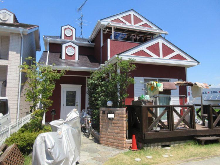 奈良の香芝市の株式会社ヨネヤの外壁塗装と屋根塗装の赤い家