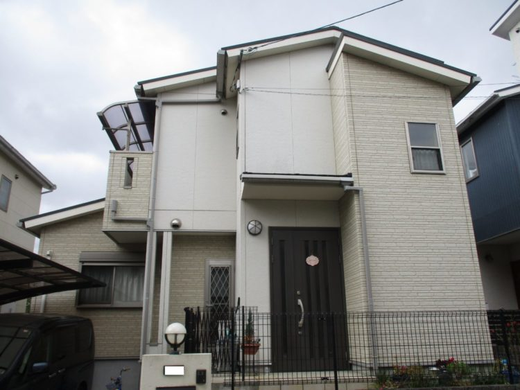 奈良生駒市N様 外壁塗装・屋根カバー工法・ベランダ防水工事・外塀塗装 施工前の写真