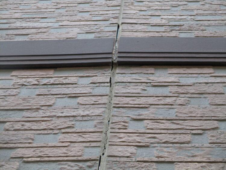 奈良の香芝市の株式会社ヨネヤの外壁塗装と屋根塗装のコーキング③