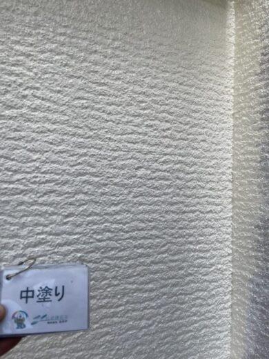 奈良生駒郡三郷町I様 外壁塗装・屋根塗装 外壁中塗り