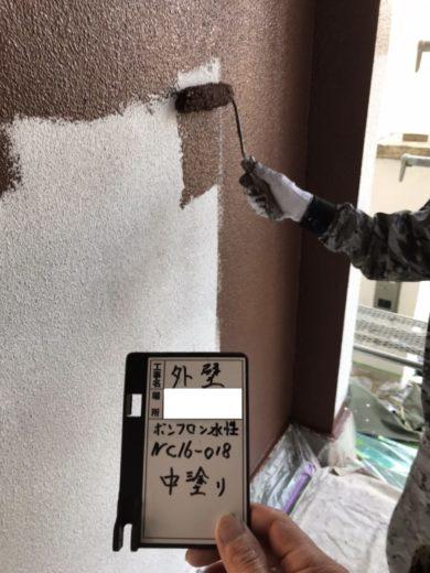 奈良生駒市O様 外壁塗装・屋根塗装工事 外壁塗装中塗り