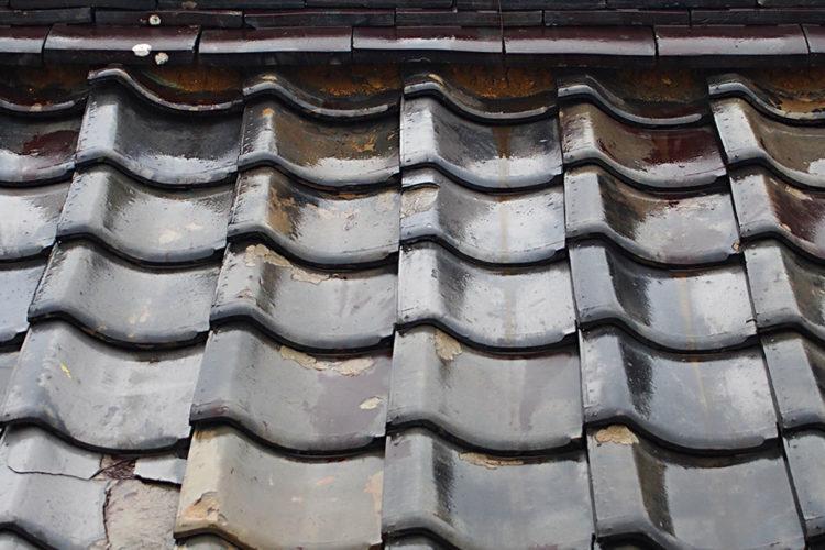 屋根材のズレや浮き