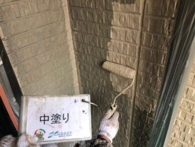 奈良北葛城郡上牧町M様 外壁塗装工事 外壁塗装中塗り