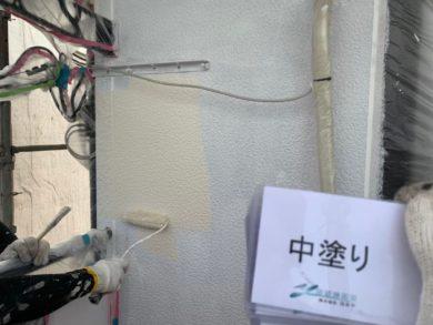 奈良生駒郡平群町K様邸 外壁塗装・屋根塗装 外壁塗装中塗り