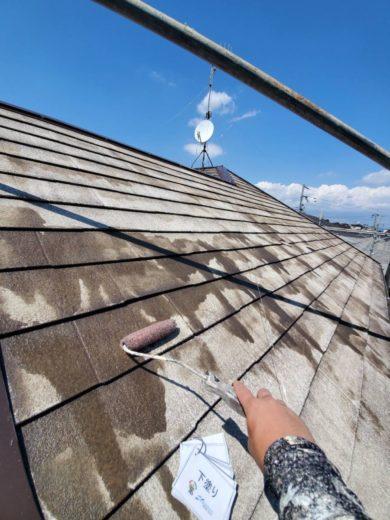奈良生駒郡三郷町T様邸 外壁塗装・屋根塗装・ベランダ防水工事 屋根塗装下塗り1回目