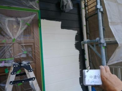 奈良葛城市O様 外壁塗装工事 外壁塗装 中塗り
