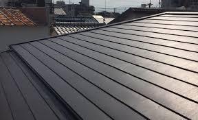 奈良の香芝市の株式会社ヨネヤの外壁塗装と屋根の金属屋根のガルバリウム鋼板の画像