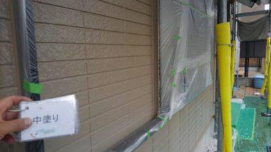 奈良葛城市M様邸 外壁塗装・屋根塗装・ベランダ防水工事 外壁塗装中塗り