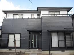 奈良の香芝市の株式会社ヨネヤの外壁塗装と屋根塗装の白色と黒色の外壁塗装を行ったお家の画像